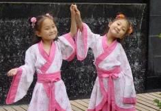 4岁女孩现在学表演很重要吗,有什么好处呢